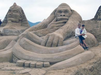 43535bc0-0152-11e4-b3bb-3379a80fd9b2_13_CATERS_Hoggard_Sand_Sculptures_14