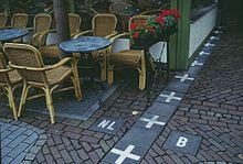 220px-Baarle-Nassau_frontière_café